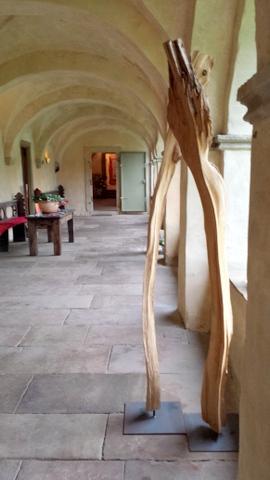 Kreuzgang Kloster Malgarten Holz 'Dialog'