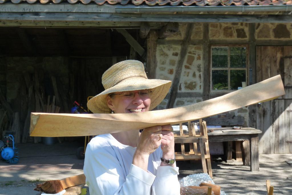 Ballanceakt mit Holz (Teilnehmerin)