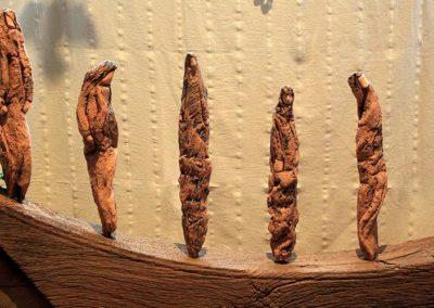 keramische Skulturengruppe 'Spaziergang der Frauen'
