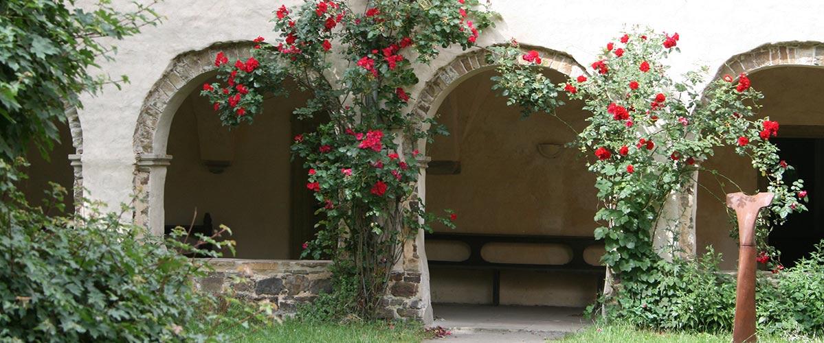 Kreuzgang Kloster Malgarten ROSENZEIT