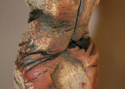 hestia Skulptur 'aus dem Kokon'